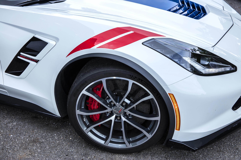 S 2017 Corvette Brochure