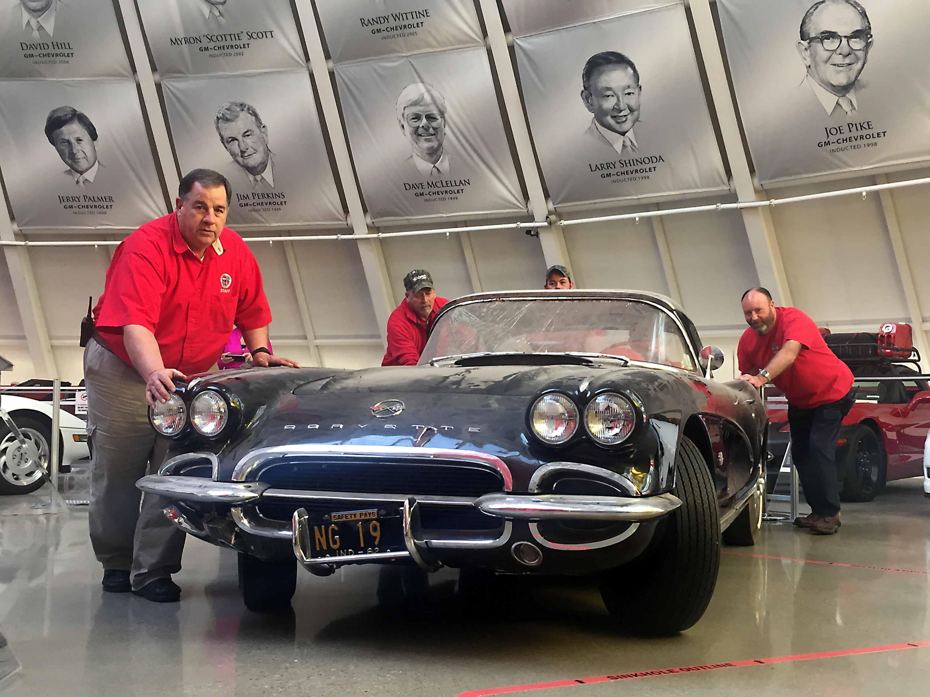 National Corvette Museum >> Corvette Museum Commemorates Sinkhole S Third Anniversary With 1962